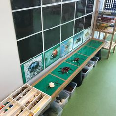 Bilden kan innehålla: inomhus Reggio Inspired Classrooms, Reggio Classroom, Classroom Layout, Classroom Design, Classroom Displays, Preschool Classroom, Classroom Decor, Reggio Emilia Preschool, Science Area