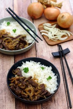 Boeuf aux oignons (recette asiatique Rindfleisch mit Zwiebeln (asiatisches Rezept) The post Rindfleisch mit Zwiebeln (asiatisches Rezept) & Ideas (i will organize this once school is over) appeared first on Recettes . Healthy Eating Tips, Healthy Nutrition, Healthy Snacks, Healthy Recipes, Asian Recipes, Ethnic Recipes, Coco, Food Inspiration, Food Porn