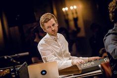 EXCLUSIVE: BAFTA-Winning Composer ólafur Arnalds Talks 'Reminiscence' Video and Reinventing Chopin with Alice Sara Ott