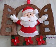 Enfeite de porta em feltro para deixar ainda mais lindo o seu Natal. Caso queira outra cor ou até mesmo algo diferente?Entre em contato e solicite um orçamento.