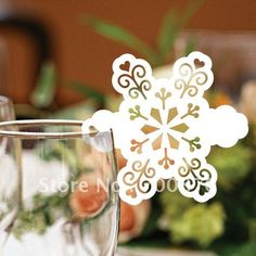 EC1108-15 12pcs/pack Laser Cutting Snowflake PlaceCard(color and pattern can be customized)