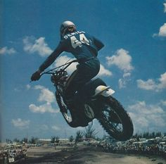 Gary Semics, one of the early American MX superstars. Vintage Bikes, Vintage Motorcycles, Vintage Air, Yamaha 250, Old Scool, Motocross Riders, Off Road Bikes, Triumph Scrambler, Vintage Motocross