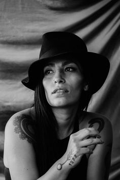 Listen To The First Single From Ana Tijoux's New Project Roja y Negro Latin American Culture, Hip Hop Albums, Grl Pwr, Jazz Musicians, Music Bands, Most Beautiful Women, The One, Ideas Para, Gin
