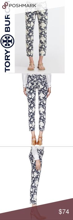 Tory Burch Navy Floral Alexa Cropped Skinny Jeans Size 31 Tory Burch Navy Blue & White Floral Alexa Cropped Skinny Jeans. 98% Cotton, 2% Elastane. 26 inch inseam. 9 inch rise. Fabulous Pre-Loved Condition.   All items come from a smoke free home and are shipped on the same or following day an order is placed.   Items are shipped in polymailers placed INSIDE boxes to ensure all purchases are completely protected from damage or weather conditions. Tory Burch Jeans Ankle & Cropped