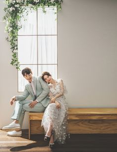 Pre Wedding Poses, Pre Wedding Photoshoot, Wedding Shoot, Wedding Couples, Dream Wedding, Korean Wedding Photography, Couple Photography Poses, Korean Couple Photoshoot, Foto Portrait