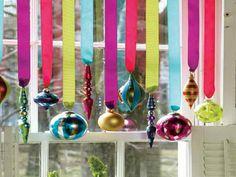 Neat way to hang Christmas Balls. Easy Christmas Decorations Ornament