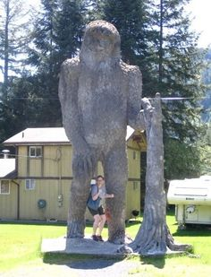 My favorite sculpture.  Sasquatch on the road to Mt. Saint Helens.