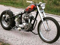Triumph Chopper bobber photo - Motocycle Pictures and Wallpapers Triumph Bobber, Triumph Chopper, Bobber Bikes, Bobber Motorcycle, Bobber Chopper, Cool Motorcycles, Triumph Motorcycles, Vintage Motorcycles, Motorcycle Garage