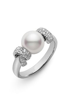 【Jewelry in My Box】Mikimoto 'Moderna 8 Collection' Akoya Cultured Pearl Ring High Jewelry, Pearl Jewelry, Jewelry Rings, Jewelry Accessories, Jewelry Design, Pearl Rings, Pearl Bracelets, Pearl Necklaces, Geek Jewelry