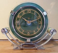 FANTASTIC ART DECO / MODERNIST DESK CLOCK - GREEN GLASS CHROME AND BAKELITE | eBay