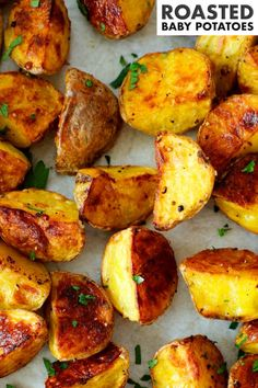 This easy Roasted Baby Potatoes recipe requires no peeling, no fancy ingredients, and than less than 10 minutes to prep. A simple blend of spices and an extra crispy exterior makes them extra delicious! This potato side dish is simple enough for a weeknight dinner, yet delicious enough for serving to company! Potluck Recipes, Side Dish Recipes, Baby Potato Recipes, Barbecue Side Dishes, Roasted Baby Potatoes, Potato Side Dishes, Dinners For Kids, Toddler Meals, Kid Friendly Meals