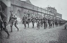 British troops marching up North Wall,Dublin Port. Ireland 1916, Dublin Ireland, Irish Independence, Easter Rising, James Joyce, Photo Engraving, British Army, Wwi, Troops