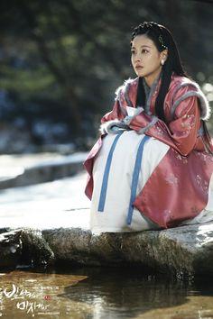 Shine or Go Crazy (빛나거나 미치거나) Korean - Drama - Picture @ HanCinema :: The Korean Movie and Drama Database