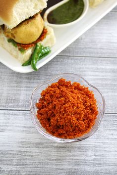 Dry garlic chutney recipe for vada pav (Vada pav chutney recipe)