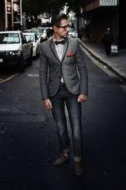 Resultado de imagem para grey suit red tie