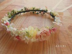 *花かんむり(ウェディング・パーティ)* ドレスやヘアスタイルに合わせた花冠を、イメージに合わせて制作しております。素材となる花は、アーティフィシャルフラワー...|ハンドメイド、手作り、手仕事品の通販・販売・購入ならCreema。