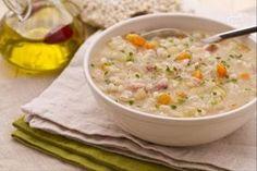 Il minestrone d'orzo è un tipico ed antico piatto del Trentino Alto Adige, preparato con orzo perlato, verdure tagliate a piccoli cubetti e carne affumicata.