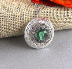 Vintage Silver Locket Locket Necklace Secret by ManoCelebrates