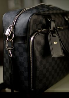 Louis Vuitton ! Leica M9 Camera bag