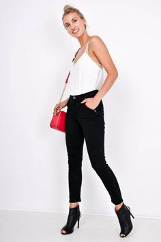 Dámske čierne nohavice s vysokým pásom Black Jeans, Pants, Fashion, Trouser Pants, Moda, Fashion Styles, Black Denim Jeans, Women's Pants, Women Pants