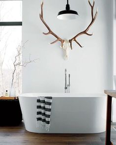 40 The Best Scandinavian Bathroom Design Ideas - Popy Home House Design, Interior, Free Standing Tub, Minimalist Decor, Home Decor Tips, Bathroom Design, Bathroom Decor, Beautiful Bathrooms, Rustic House