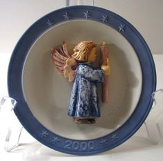 Hummel Annual Christmas Plate Year 2000 with Box