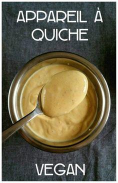 Ingrédients :   400g de tofu soyeux 30g de farine ou de maizena (je suis dans ma période « farine de pois chiche », c'est divin dans cette recette !) 30g d'eau 1 cuillère à café d'herbamare ou de sel 10 tours de poivre du moulin 1 cuillère à café de curcuma (pour donner une couleur jaune) Préparation :   Mettre tous les ingrédients dans le blender. Mixer 1 minute à vitesse moyenne. Et voilà. ^^