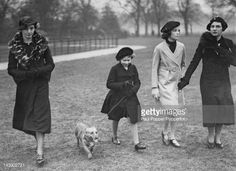 Princess Elizabeth walking her dog in Hyde Park, London, 26th... News Photo | Getty Images