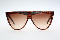 Hey, ho trovato questa fantastica inserzione di Etsy su https://www.etsy.com/it/listing/211566121/laura-biagiotti-t32-vintage-occhiali-da