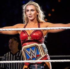 Don't wait for luck Dedicate yourself and you gon' find yourself 🎶 Wrestling Divas, Women's Wrestling, Wwe Female Wrestlers, Female Athletes, Renee Young Wwe, Charlotte Flair Wwe, Nxt Divas, Wwe Girls, Raw Women's Champion