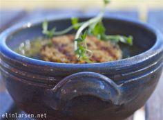 Deilig løksuppe Soup, Vegetarian, Tableware, Dinnerware, Tablewares, Soups, Dishes, Place Settings
