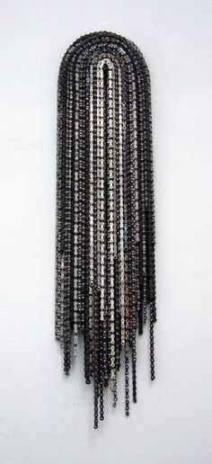 Stef Heidhues, »Madonna«, 2007 - Bicycle chains - Ca. 120 x 25 x 14 cm