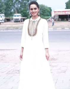 The white kurta is a must have in your closet. Dress it up with chaandbaalis and jhumkis or wear it with a faded blue jeans for an understated appeal. Shop this look on Huew. Beautiful Bollywood Actress, Beautiful Indian Actress, Beautiful Actresses, Beautiful Girl Wallpaper, White Kurta, Miss India, Miss World, Beauty Full Girl, Party Looks