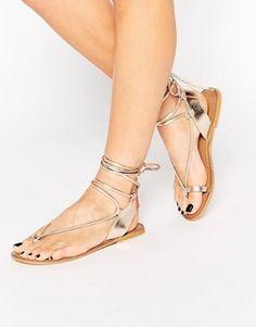 ASOS - FOXY - Sandales en cuir avec liens à la jambe