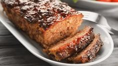 Copyright: Shutterstock. Good Meatloaf Recipe, Meat Loaf Recipe Easy, Meatloaf Recipes, Meat Recipes, Recipies, Cheesy Meatloaf, Turkey Meatloaf, Quick Recipes, Quick Easy Meals