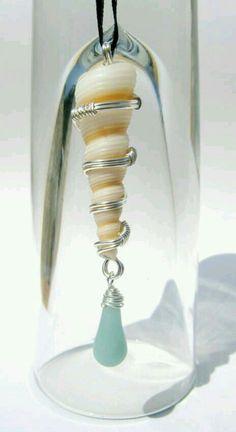Caracol, plata y cristales