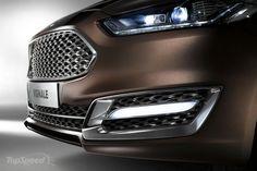 Reflektory w technologii LED  Reflektory Ford Dynamic LED automatycznie dostosowują strumień światła do prędkości jazdy i warunków otoczenia, zapewniając tym samym optymalne oświetlenie drogi. Tradycyjne kierunkowskazy również zostały zastąpione bardziej wydajnymi i widocznymi paskami LED.