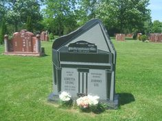 Loretta Leung (1954 - 2003) - Find A Grave Photos Elgin Mills Cemetery and Crematorium  Richmond Hill York Regional Municipality Ontario, Canada