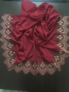 Hairstyle Trends, Moda Emo, Bargello, Crochet Flowers, Fabric Crafts, Diy And Crafts, Ruffle Blouse, Saree, Embroidery