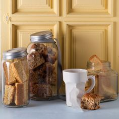 Seed and bran rusks Buttermilk rusks South African Dishes, South African Recipes, Healthy Breakfast Snacks, Breakfast Ideas, Healthy Eating, Rusk Recipe, Recipe Box, Slow Cooker Recipes, Cooking Recipes