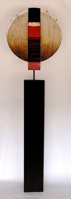 "Think pottery and tack fused glass RAMÓN URBÁN. E31 ""Recolector de sueños XXXI"" Técnica mixta madera/hierro, 160x47 cm. www.galeriakresiler.com"