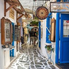 Naxos Island Old Town Cyclades Greece . Naxos Greece, Santorini Greece, Places In Greece, Greek Isles, Senior Trip, Greece Islands, Beautiful Places To Travel, Greece Travel, Oh The Places You'll Go
