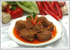 HOW TO MAKE RENDANG BEEF INDONESIAN TRADITIONAL FOOD    Growing up in Indonesia, I always looked forward to going to the home of one of my ...