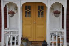 Björklinge Pardörr Porch Balusters, Yellow Doors, Scandinavian Countries, Scandinavian Interior, Country Style, Home Improvement, Garage Doors, Villa, New Homes