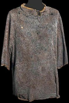 European (German?) riveted mail hauberk, 15th c, a lead arsenal mark indicates that it was once stored at the St.Irene Arsenal in Constantinople due to being captured by the Ottomans in battle, links have an outside dia. of 5-5.5 mm, a wire dia. of 0.8 mm, and a weight of 0.047g. The whole hauburk is 6.6kg  Https://darksword-armory.com