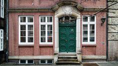 49 #hamburg #germany #deutschland #hh #welovehh #street #architecture #city #igershamburg #facade #гамбург #германия #улица #город #архитектура #фасад #49 by silexboy