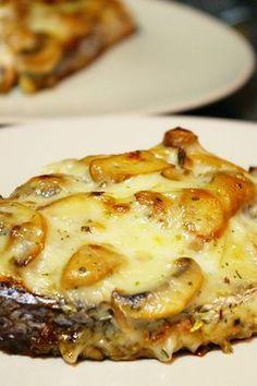 Salmón al horno con champiñones
