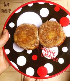If you think a pie maker is just for making pies, think again! Here are 5 delicious things to make in the KMart pie maker that aren't pies. Mini Pie Recipes, Puff Pastry Recipes, Donut Recipes, Cake Recipes, Drink Recipes, Keto Recipes, Dessert Recipes, Healthy Recipes, Breville Pie Maker