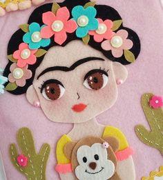 Risultati immagini per cosas de frida kahlo*felt Felt Crafts, Fabric Crafts, Diy And Crafts, Crafts For Kids, Arts And Crafts, Felt Fairy, Sewing Pillows, Felt Patterns, Wool Applique