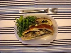 Strudel salato home-made con bietola (PortaNatura), scarola, salsiccia e mozzarella di bufala